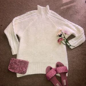 Guess NWOT Soft Cream Knit Turtleneck Sweater